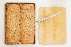 Christmas tradition: Homemade Biscotti - Think. Christmas Deserts, Holiday Desserts, Holiday Cookies, Christmas Traditions, Christmas Baking, Christmas Ideas, Xmas, Candy Recipes, Baking Recipes