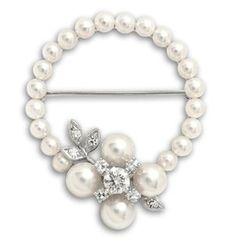 Estate Collection Pearl and Diamond Wreath Brooch in 14 Karat White Gold Pearl Diamond, Diamond Jewelry, Cultured Pearls, Diamond Cuts, Pearl Necklace, Vintage Jewelry, White Gold, Brooch, Wreaths