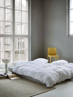 The classic woven seersucker bedclothes from Høie in 100% cotton. In woven seersucker fabrics, the unique air pockets are created in the weaving process. This means the unique seersucker effect of these bedclothes emerges only after the fabric is washed, and it simply gets better and better with time. It is so pure that it is recommended by Asthma Allergy Nordic. Weaving Process, Bedclothes, Scandinavian Bedroom, Seersucker, Pure Products, Asthma, Cotton, Fabrics, Pockets