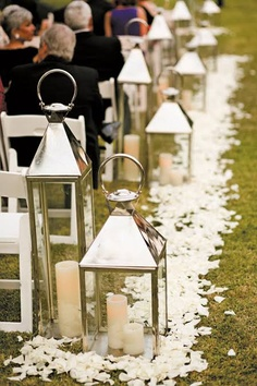 stylish-tropical-wedding-aisle-runner-ideas.jpg