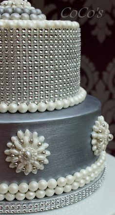 Add bling to your cake with Glam Ribbon Diamond Cake Wraps. Perfect for cake decorating rolled fondant cakes & wedding cakes. Beautiful Wedding Cakes, Gorgeous Cakes, Pretty Cakes, Cute Cakes, Amazing Cakes, Crazy Cakes, Fancy Cakes, Bling Cakes, Unique Cakes