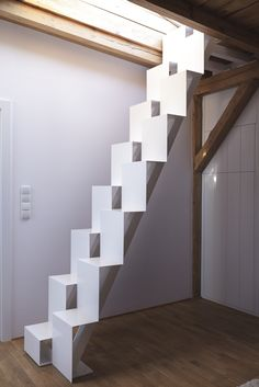 impressive staircase design inspirations for your house 58 Small Space Staircase, Loft Staircase, Attic Stairs, House Stairs, Staircase Design, Modern Interior Design, Interior Design Living Room, Stairs To Heaven, Interior Stairs