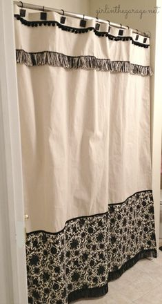 Shower Curtain DIY shower curtain made from a drop cloth - complete tutorial!DIY shower curtain made from a drop cloth - complete tutorial! Custom Shower Curtains, Fabric Shower Curtains, Drop Cloth Curtains, Drapes Curtains, Valances, Drop Cloth Projects, Canvas Drop Cloths, Diy Shower, Window Coverings