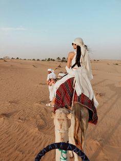 Nachtleben Reisen Dubai Safari, Dubai Souk, Dubai Autos, Dubai Tur … – Kameron Tillman I – Tipps Dubai Vacation, Dream Vacations, Foto Dubai, Dubai Travel Guide, Dubai Holidays, Dubai Desert, Dubai Beach, Dubai City, Egypt Travel