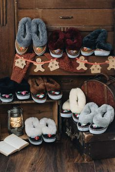 ONAIE is an independent online shop offering a wide range of stylish handmade sheepskin slippers. With a wide range of footwear suitable for both indoor and outdoor use, the collection continues to expand to meet our stylish customers' needs. Cre... Baby Size Chart, Size Chart For Kids, Ladies Sheepskin Slippers, Winter Slippers, Slip On Mules, Second Hand, Dips, Booty, Bag