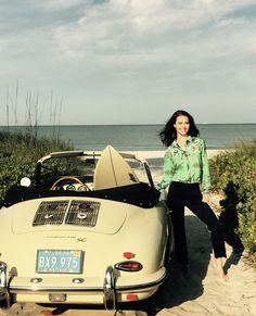 Des jolies filles et des Porsche - Page 451 - PHOTOS - Boxster Cayman 911 (Porsche) Porsche Classic, Classic Cars, Car Show Girls, Car Girls, Porsche Models, Porsche Cars, Porsche 356 Speedster, Datsun 240z, Top Cars