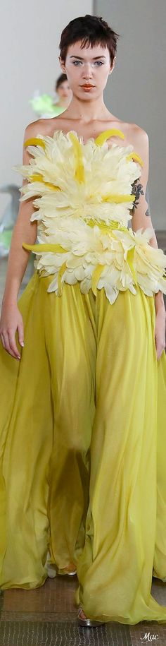 Georges Chakra Spring 2020 Couture Source by sidegap Georges Chakra, Fashion Brands, High Fashion, Fashion Show, Fashion Outfits, Abed Mahfouz, Chanel Cruise, Tony Ward, Zuhair Murad
