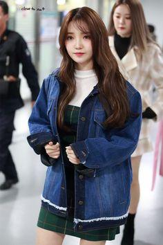 ⭐@Minmiogii⭐ South Korean Girls, Korean Girl Groups, Korean Airport Fashion, Airport Style, Pop Group, Style Me, Denim, Asian Beauty, Women