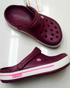 Cool Crocs, Cute Shoes, Me Too Shoes, Croc Charms, Slipper Sandals, Crocs Shoes, Dream Shoes, Flip Flop Sandals, Shoe Boots