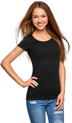 Fällt ziemlich klein aus aber ein Super T-Shirt  Enges, kurzärmeliges Basic-T-Shirt mit rundem Halsausschnitt. Der Baumwollstoff ist atmungsaktiv. Dank dem engen Schnitt betont das T-Shirt Ihre Figur. Dieses Basic-T-Shirt ist eine gute Wahl für Ihre Alltagsgarderobe. Es ist eine praktische und vielseitige Option und ein großartiger Begleiter für verschiedene Anlässe. Es lässt sich leicht zu Jeans, Jogginghosen oder Shorts kombinieren. Dieses T-Shirt ist für Workouts, Freizeitaktivitäten oder… Branded T Shirts, Fashion Brands, Basic Tank Top, Cotton Fabric, Topshop, Slim, V Neck, Clothes For Women, Tank Tops