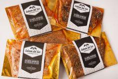 Salmón ahumado en caliente con y sin especias. Filete entero y medio filete. #salmonahumado @salmondelsur salmondelsur.cl Salmon, Coffee, Food, Smoked Salmon, Steak, Spice, Products, Kaffee, Eten