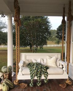 60 Vintage Farmhouse Porch Decorating Ideas on A Budget - Homemainly Farmhouse Porch Swings, Outdoor Spaces, Outdoor Living, Porch Styles, Front Porch Design, Front Porches, Porch Designs, Building A Porch, House With Porch