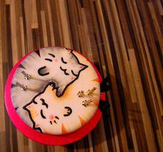Tesslating Yin Yang Cat Cake (based on the tearaways Simba and Rufus)