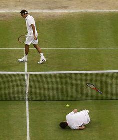 Andy Murray (fore) & Roger Federer - 2012 Wimbledon Gentlemen's Singles Final