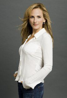 Marlee Matlin, deaf actress who kicked ass on The West Wing Deaf Actress, Leisha Hailey, Marlee Matlin, Beautiful People, Beautiful Women, Deaf People, Extraordinary People, Successful People, Poses