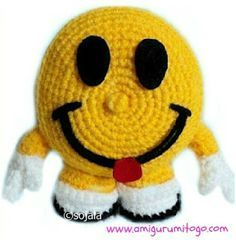 Smiley Happy Face Free Crochet Pattern - Amigurumi To Go