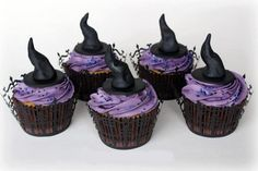 ❥ gothic witch hats halloween cupcakes :)