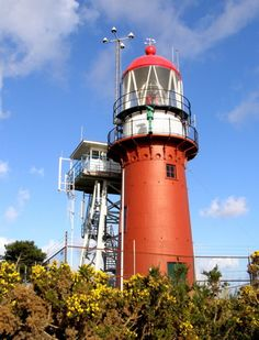 Vuurtoren Vlieland, lighthouse in Holland. Est in 1909 Lighthouse Lighting, Lighthouse Pictures, Safe Harbor, Beacon Of Light, Light Of The World, Creative Commons Photos, Strand, Netherlands, Holland