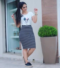 Striped Pencil Skirt – How to Use with 20 Must Do Looks! Modest Dresses, Modest Outfits, Chic Outfits, Cute Dresses, Casual Dresses, Fashion Outfits, Kohls Dresses, Summer Dresses, Look Fashion