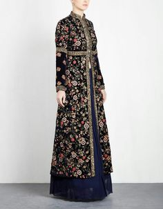Pakistani Dresses Batik Fashion, Abaya Fashion, Fashion Dresses, Indian Gowns Dresses, Pakistani Dresses, Dress Batik Kombinasi, Moslem Fashion, Mein Style, Batik Dress