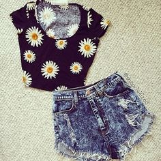 Sunflower crop top and high waisted shorts