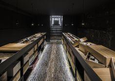Gallery of Wineshop / Studio AAAN - 5