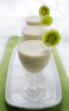 Kiwi, banana, almond milk, honey: 1 kiwi 1 ripe banana 1 cup milk or almond milk (for thick smoothie use just 1/2 cup milk) 1 Tbsp honey