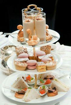 Gorgeous tea plate....pass me a goodie