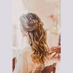 #makeup e #hair da noiva @juvilela clicada pela @marinalomar. As fotos estão na @constancezahn.