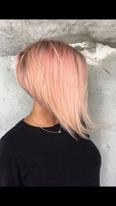 50 Stunning Bob Hairstyle Inspirations That Will Give You a Glammed Up Look - Hairstyles Trends Shaggy Bob Haircut, Stacked Bob Hairstyles, Cool Hairstyles, Aline Haircuts, Short Bob Haircuts, Short Hair Cuts, Short Hair Styles, Corte Bob, Corte Y Color