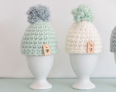 Welcome Crafts Home Crochet Egg Cozy, Crochet Diy, Easter Crochet, Crochet For Kids, Crochet Hats, Knitting Patterns, Crochet Patterns, Beautiful Crochet, Easter Crafts