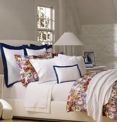 elegant table lamp with coolie lampshade in a bedroom