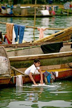 Perfume River, Hue Vietnam by David May Laos, Hanoi Vietnam, Vietnam Travel, Can Tho, Hoi An, Ho Chi Minh Ville, Beautiful Vietnam, Indochine, Central Coast