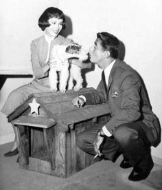 THE THIN  MAN   TV SHOW AIRED  1957TO1959. STARRED PETER LAWFORD  AND PHYLISS  KIRK