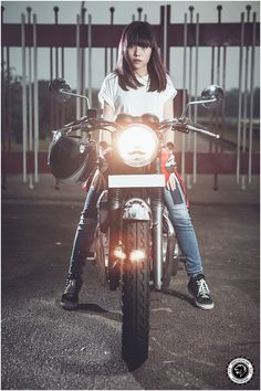 This is Chips Jing on her Kawasaki W400. She represents the rare few lady riders in the custom, vintage and classic scene in Singapore. This...