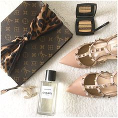 Happy weekend with Louis Vuitton, Chanel perfume and Valentino shoes. #shopping #fashion #luxury #chanel #louisvuitton #valentino #shoes #fabfashionfix
