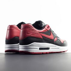 Sneakers – Nike Air Max 1   Image   Description   Nike Air Max 1 QS 'Valentines Day