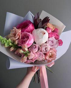 Flowers boquette pink ranunculus 59 Ideas for 2019 Beautiful Bouquet Of Flowers, Fresh Flowers, Beautiful Flowers, Wedding Flowers, How To Wrap Flowers, Luxury Flowers, Floral Bouquets, Flower Decorations, Flower Designs