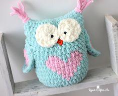 34 Ideas crochet heart applique pattern repeat crafter me Owl Crochet Pattern Free, Crochet Owls, Crochet Pillow, Cute Crochet, Baby Blanket Crochet, Crochet For Kids, Irish Crochet, Free Pattern, Blanket Yarn
