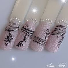 Nagelkunst design Wedding Decorations: Making Your Wedding Day Beautiful Usually, the task of choosi Gel Nail Art, Easy Nail Art, Gel Nails, Fancy Nails, Cute Nails, Bling Nails, Mandala Nails, Nailart, Red Nail Designs