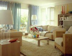 Tolle idee fürs wohnzimmer: mit einer kleinen Coach den Raum trennen ...