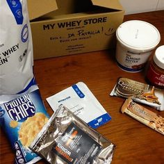 Hapiness in a box  E obrigada pela oferta  @mws.pt  #mywheystore #whey #peanutbutter #questnutrition #prozis #almondbutter #paleo #fit #fitnotskinny #fitnessportugal #strongnotskinny #womenshealthportugal #eatwell  #eatclean #eatforabs #eattogrow #protein #livingthatfitgirllife #healthy #foco #foodisfuel #maispertoqueontem #comeagacha #comidadobem #comidadeverdade #saudável #strongnotskinny #sagafit #desafiodiasfit ( # @patriciacnogueira)