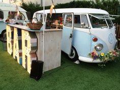Food truck THE HIPSTER BUS #barralibre sobre ruedas para celebrar tu #boda, ideal para bodas #vintage y de #hipster, flechazo @innovias!
