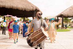 Indian Wedding in Cancun – Destination Wedding Photography | Sheena and Manu | http://gavinfarrington.com/destination-photography/destination-wedding-photography/sikh-indian-wedding-in-cancun-destination-wedding-photography/
