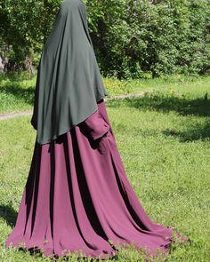 БаракаЛлаху фикум, сестры))) ответы рассмешили🌷)))) были варианты и два миллиона, и 100шт))) на самом деле как говорит Айгуль, было продано… Muslim Women Fashion, Islamic Fashion, Niqab Fashion, Fashion Dresses, Hijab Collection, Mode Abaya, Hijab Niqab, Islamic Girl, Hijab Fashion Inspiration
