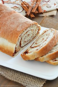 Step-by-step instructions on how to make the BEST Cinnamon Swirl Bread! Super easy! #FleischmannsYeast