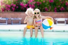 Kids playing at outdoor swimming pool. little girl and boy play and swim in resort pool on tropical beach island summer family vacation. swim and eye wear, Swimming Pool Games, Cool Swimming Pools, Play Pool, Kid Pool, Outdoor Swimming Pool, Toddler Boutique, Beach Video, Natural Sunscreen, Camping Games