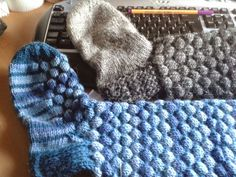 Nemiran Nurkkaus: Kuplasukat Merino Wool Blanket, One Color, Colour, Fingerless Gloves, Knitting Socks, Arm Warmers, Mittens, Knit Crochet, Upcycle