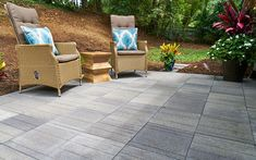 Pavestone's newest #patio stones capture the popular linear look! 😍  Get to know this new offering.👇  #homeimprovement #outdoors #backyard