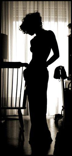 È una pazzia amare, a meno che non si ami da impazzire  Jean Ythier On The Bright Side, That Look, Classy, Glamour, Long Hair Styles, Beautiful, Photography, Image, Lifestyle